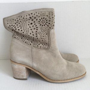 Crown Vintage Taupe Ankle Boots Wooden Heel 9.5